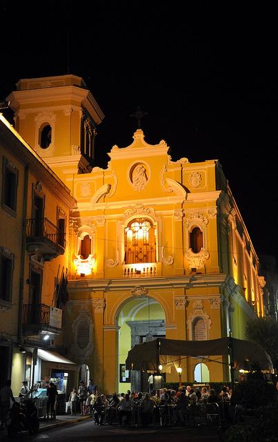 Piazza-Tasso-and-Church-del-Carmine-at-Night